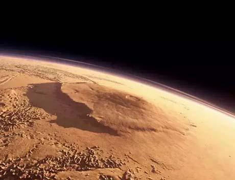 最高的山不是珠穆朗玛峰 而是在火星