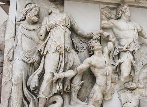 为什么古希腊的雕塑都是裸体的
