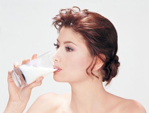只喝牛奶能不能健康地活下来