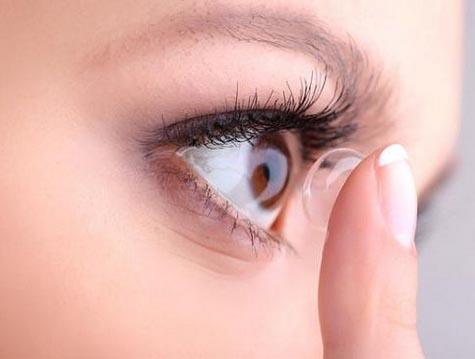 【辟谣】隐形眼镜会导致白内障吗?