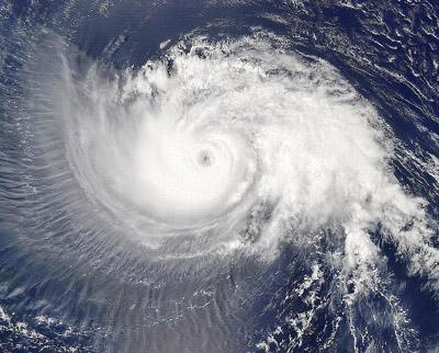 为什么台风中心没有风和雨