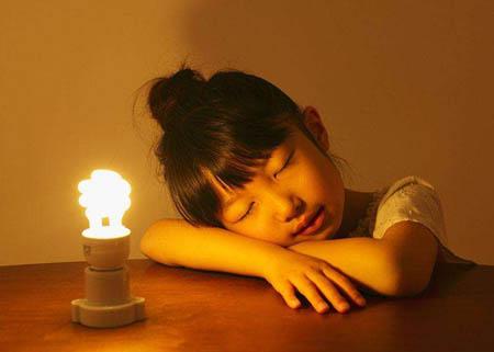 开灯睡觉会对人的身体造成伤害吗