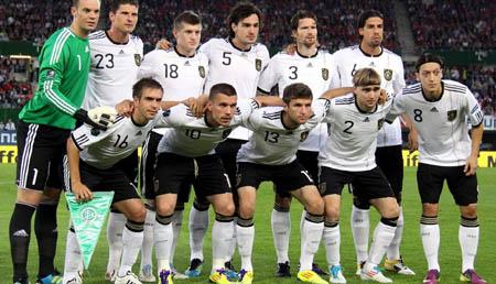 德国人看球爱做笔记