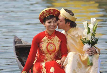 越南奇异婚俗:新娘初夜给旧情人
