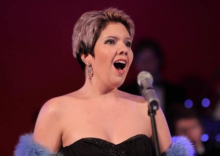 为什么女性的嗓音比男性的高