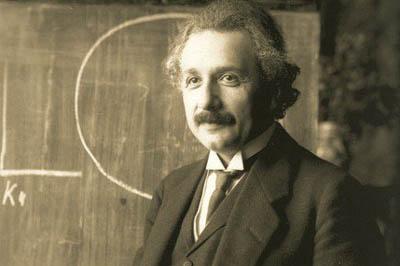 爱因斯坦为什么聪明 大脑并不比正常人大