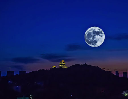 月球会掉到地球上来吗