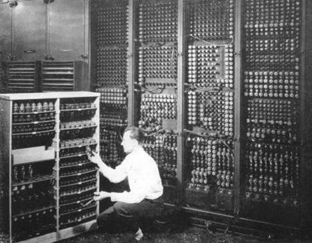 第一台计算机有多重—30多吨!