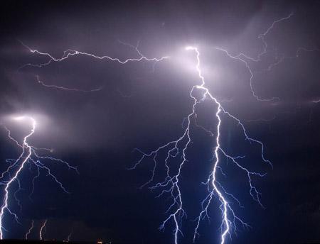 闪电为什么会有枝杈