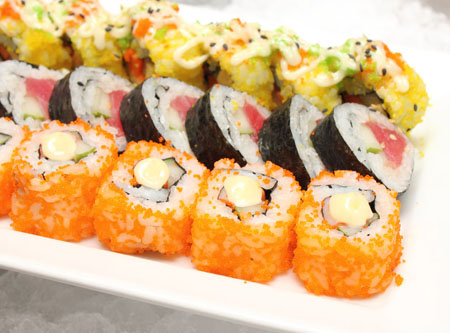 为什么寿司要用紫菜包着