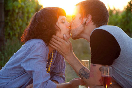 人在接吻的时候有多少块肌肉参与