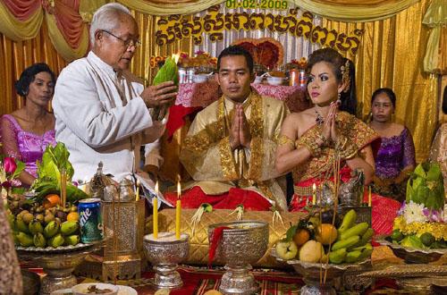 柬埔寨独特的婚姻习俗