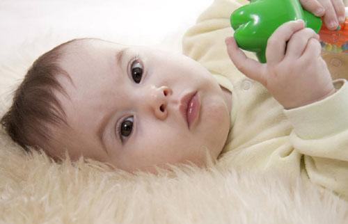 婴儿的骨骼多还是成人的骨骼多呢