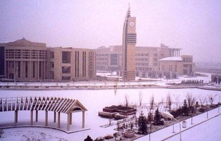 """冠名""""中国""""开头却不在北京的大学有哪些?"""