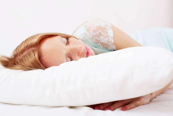 为什么睡觉时要枕枕头