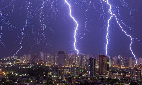 为什么有时会只看到闪电却听不到雷声