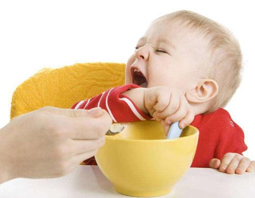 婴儿为何可以同时呼吸和吞咽