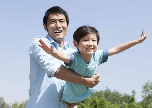 父亲的年龄越大孩子越不聪明