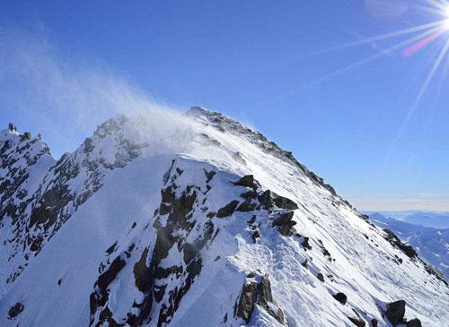 高山顶部的雪为什么常年不化