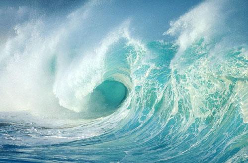 超过500米的滔天巨浪 比帝国大厦还高