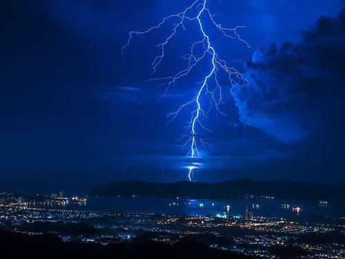 闪电每年制造氮肥4万吨
