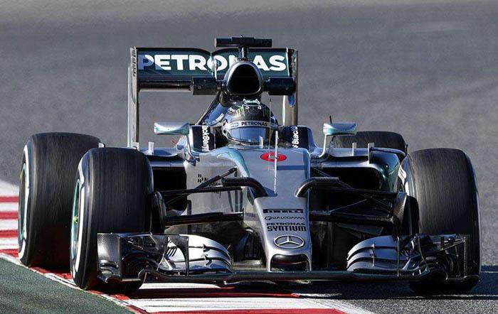"""F1赛车为什么能""""固定""""在跑道上"""