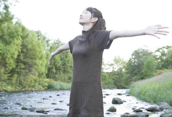 深呼吸有益于身体健康