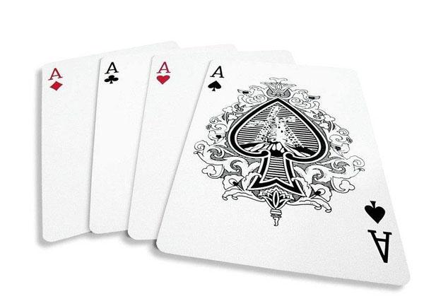 扑克黑桃A比别的A画得大