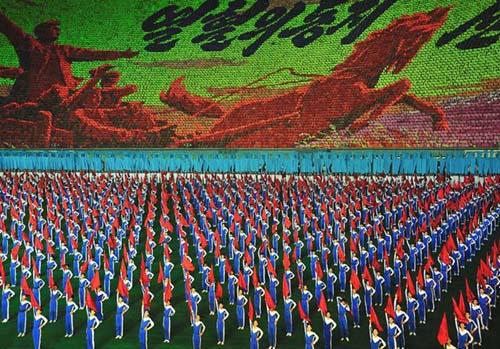 朝鲜为什么喜欢团体大会操表演