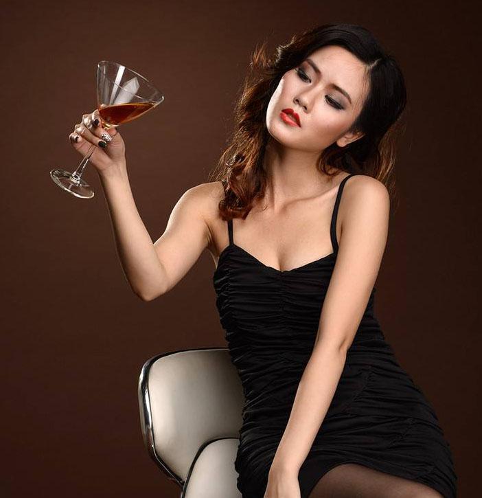 喝红酒并不能减肥