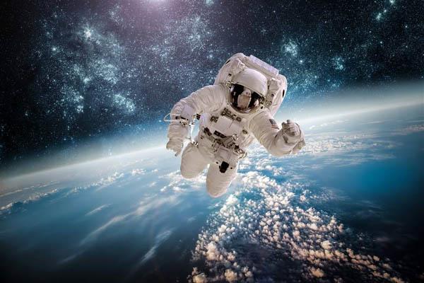 太空中不穿航天服人体会爆炸?