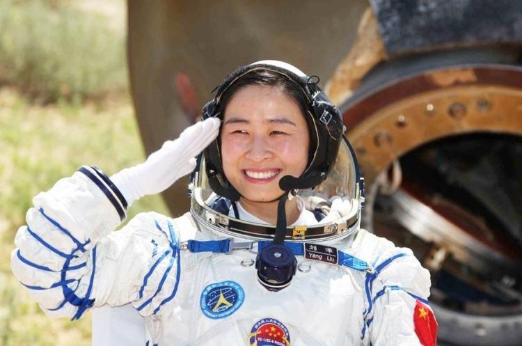 女航天员返回地球后会被禁止生育?刘洋实力打脸