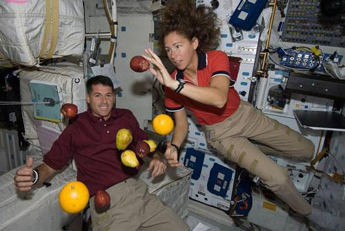 太空中是没有重力的?实际太空也有重力