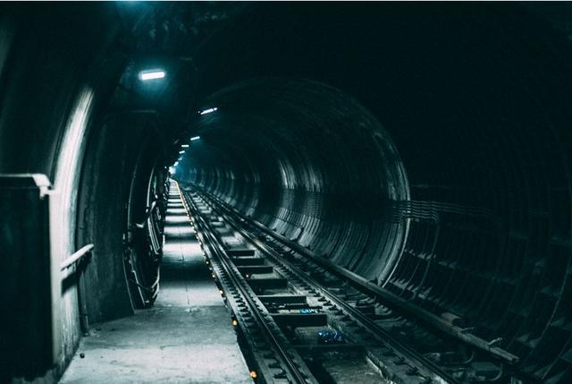 为什么高铁和地铁很少在夜间运行