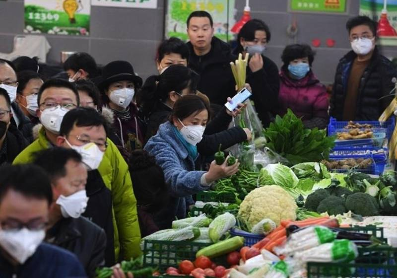 【辟谣】吃果蔬和肉蛋会感染新冠病毒