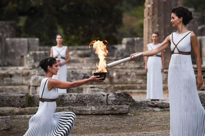 为什么在奥运会上要点燃圣火