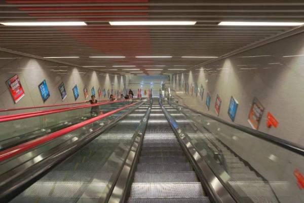中国最深的地铁站 深度达到38层楼高